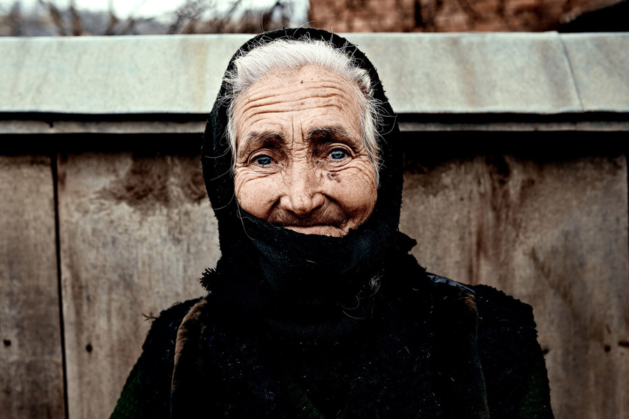 Romania-Old_Woman-Photo-By-Oliver_Wand-OW8_7254